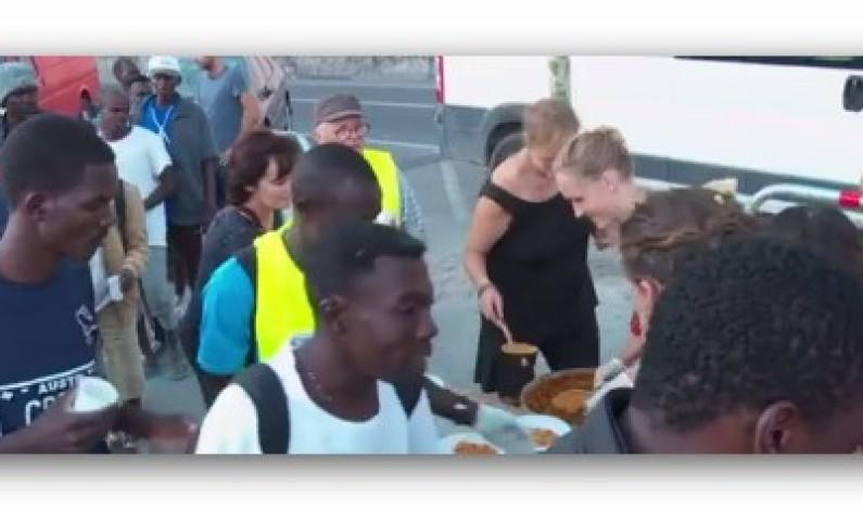 أعداد غير مسبوقة من اللاجئين على الحدود الفرنسية الإيطالية وفرنسا تضع حواجز و نقاط تفتيش