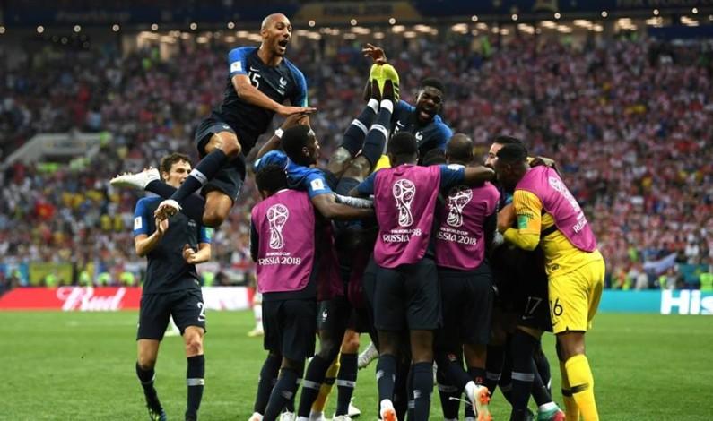 فرنسا تتوج بطلة لكأس العالم لكرة القدم للمرة الثانية في تاريخها بفوزها على #كرواتيا 4-2