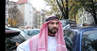 #سوري يعطي الضوء على حرية الرأي في العالم #برلين وتعتقله الشرطة الالمانية وتفرج عنه بعد التحقيق