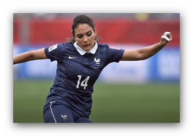 #مغازلة ناعمة لاشهر لاعبة قدم فرنسية